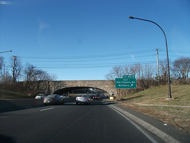 Low overpasses on a Long Island parkway. Doug Kerr/ Flickr