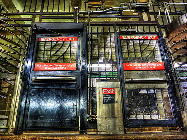 Emergency exit doors in the New York City subway. Which side to push? (Flickr.)