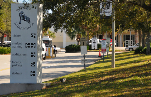 Olympia High School Is Located Off Of South Apopka Vineland Road In Orlando On A Tree Lined Campus Malcolm Denemark Usa Today Network