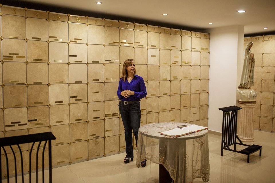 17d7fab0143e Claudia Sánchez visits the crypt that memorializes her 15-year-old son